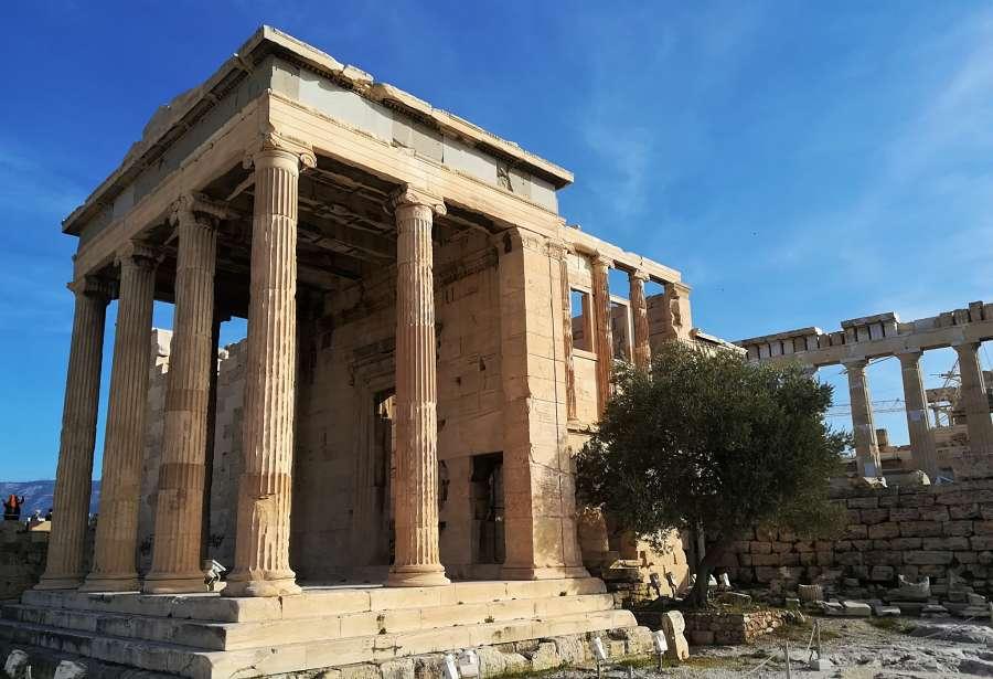 comentario y analisis del dibujo del templo en grecia