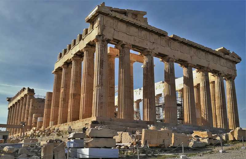 Comentario de las metopas del parthenon griego